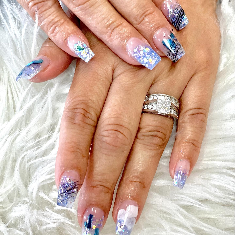 LYNN NailSplash | Nail salon Marine Drive | North Vancouver